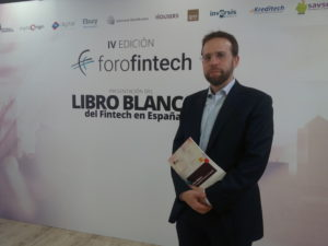 J.Pérez-presenta-LB-de-Fintech-300x225